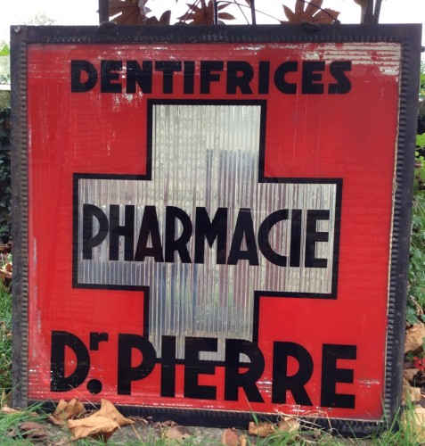 Ancienne enseigne de pharmacie.