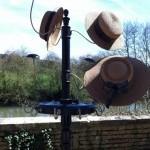 Présentoir à chapeaux et ceintures