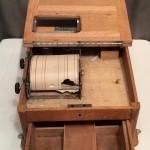 Ancienne caisse de comptoir